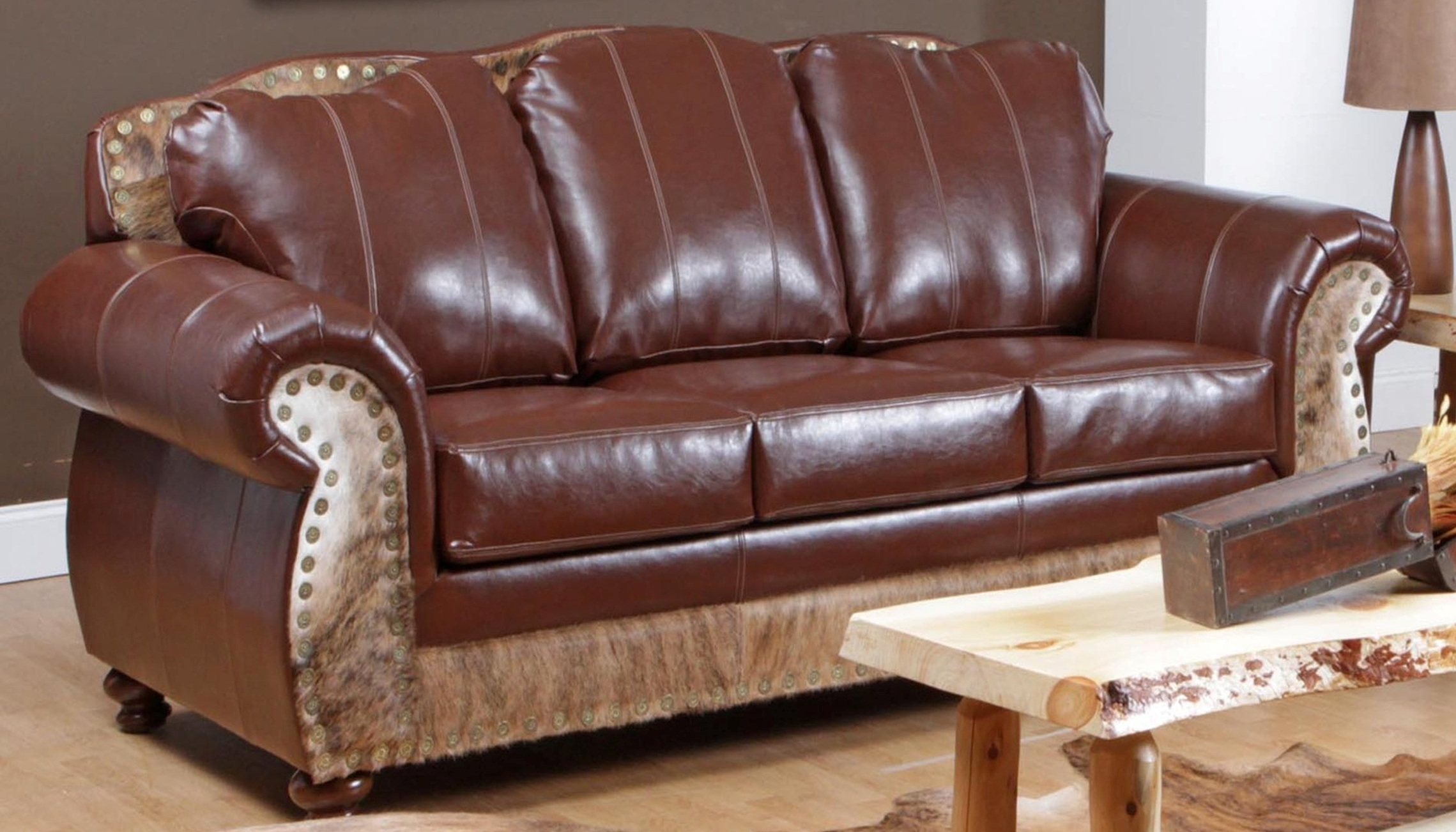 Saddle me up cowhide top grain leather sofa 5869 s for Chelsea leather sofa