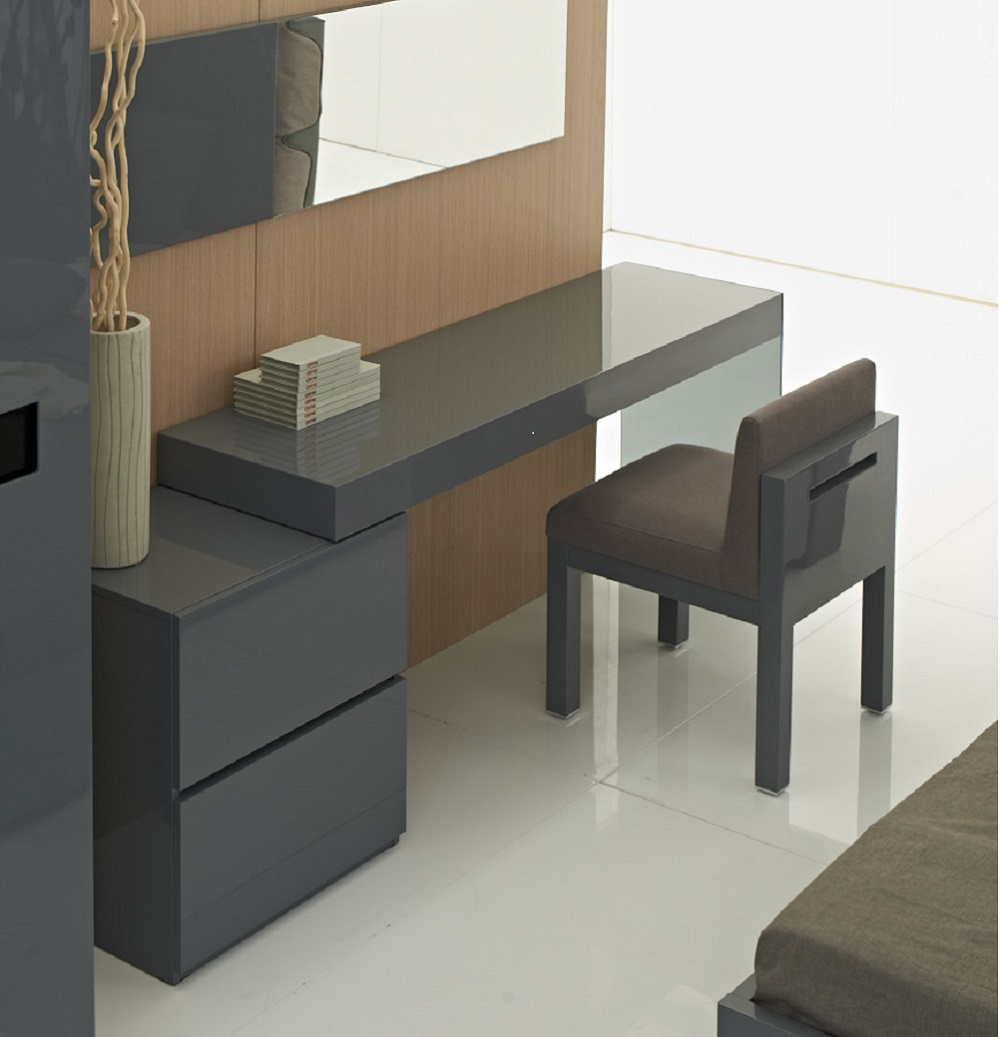 Coach Modern Office Desk In Grey Gloss By J Amp M Furniture